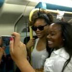 Nella metro di Londra c'è Rihanna: sorpresa per i fan